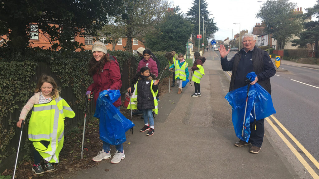 Ampthill residents litter picking around the town